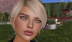"""afk face"" No one mentions that you'll have to reevaluate all your old hairs when you go meshhead :o (memoriaeresident) Tags: firestorm secondlife secondlife:region=rockawayshores secondlife:parcel=wherelazybeesbumble secondlife:x=54 secondlife:y=78 secondlife:z=21 hair gacha elua lelutka simone bento"