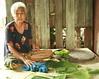 grandma and her banana leaves (the foreign photographer - ฝรั่งถ่) Tags: grandma woman sitting banana leafs tray khlong thanon portraits bangkhen bangkok thailand canon