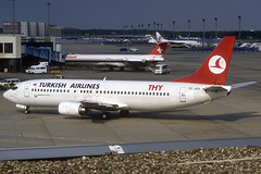 Turkish Airlines B737-4Y0 TC-JDY FRA 10/06/1995 (jordi757) Tags: airplanes avions nikon boeing 737 boeing737 b737 b737400 thy turkishairlines tcjdy fra eddf frankfurt