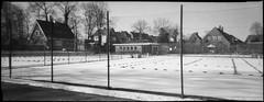 Wilster (Der Ohlsen) Tags: silvercam pseudorama analog 35mm kb bw film kodakbw400cn c41 winter schnee snow wilster schleswigholstein deutschland germany