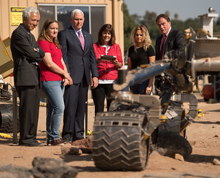 Vice President Pence Tours Jet Propulsion Laboratory (NHQ201804280017)