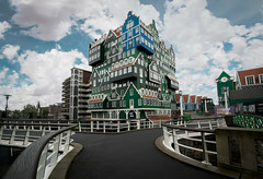 Mad house (A.Dissing) Tags: white black art light dark contrast a7 a7ii a7m2 sony anders dissing masterpiece super detail fantastic good positive photo pixel mm creative beautiful color composition moment europe artistic other danish denmark danmark different exposure enjoy young unique weather scene awesome dope angle perfect perspective interesting holland amsterdam netherlands mad bending weird adventure architecture building differente