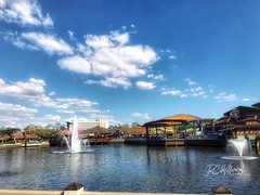 Disney Springs Lake (RosarioCano de Villarreal) Tags: iphonephoto iphonepic florida orlando familia vacation lake disney
