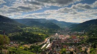 Blick von Schloss Eberstein in das Murgtal bei Gernsbach