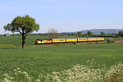 COLAS COUNTRYSIDE (Malvern Firebrand) Tags: colas 37099 propels its test train abbotswood near worcester 14518 the working is 3z62 1232 derby rtcnetwork rail exeter old ydwaggonersway cloudless worcestershire crf class37 37xxx trains railways railroad tree bluesky bredonhill farming fields green may 2018