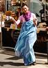 Feinkost (Gerd Trynka-Ottosohn) Tags: ottosohnfoto napoli marktstand feinkost signora tanz bunt viatoledo city markt italia italien italy
