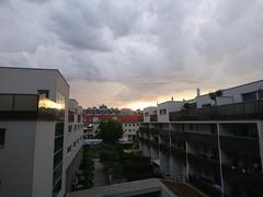 2017-07-30 19.57.40 (Kirayuzu) Tags: abendhimmel abend himmel wien vienna liesing sonnenuntergang wolken clouds evening eveningsky sunset