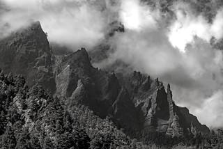 *Caldera de Taburiente @ mystical mountains*
