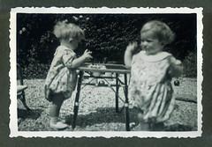 i gemelli a Vicenza - giugno 1936 (dindolina) Tags: photo fotografia blackandwhite bw biancoenero monochrome monocromo vintage family famiglia history storia gemelli twins italy italia veneto vicenza 1936 1930s annitrenta thirties