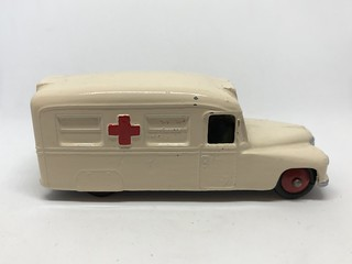 Dinky Meccano England - Number 30H - Daimler Ambulance - Miniature Diecast Metal Scale Model Emergency Services Vehicul