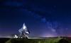 IMG_0943 (Calabrones) Tags: oberbayern bayern ammersee raisting erdfunkstelleraisting erdfunkstelleraistingammersee milchstrase radom milkyway bodennebel parabolantenne nacht nachthimmel sterne sternenklar sternenhimmel langzeitbelichtung