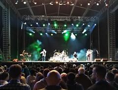 2017-08-13_00-33-23 (LuJaHu) Tags: gijón asturias fiestas concierto gijon españa spain revolver escenario luces musica leecolemax2