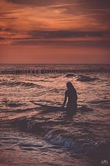 Enjoy the moment (stein.anthony) Tags: kühlungsborn lichtstimmung shooting sonnenuntergang strand wasser ostsee ostseeküste buhnen sundown sunset himmel landscape landschaft natur nature