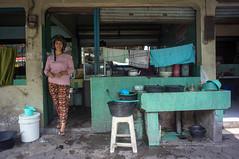 (kuuan) Tags: street indonesia voigtländerheliarf4515mm manualfocus mf voigtländer15mm aspherical f4515mm superwideheliar apsc sonynex5n warung eatery solo surakarta java