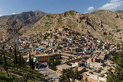 Akre, Iraq (e.w. cordon) Tags: iraq akre town city village kurdistan travel ewcordon akrah