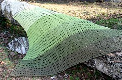 2018.05.12. katia ombre shawl 3538m (villanne123) Tags: 2018 shawl scarf huivit handknitted handknit pitsineule katiaombrecotton knitting neulottu puuvillalanka villanne lace