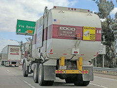 Edco Truck 5-18-18 (2) (Photo Nut 2011) Tags: garbagetruck trashtruck sanitation wastedisposal refuse junk truck california waste trash garbage edco sandiego escondido 416