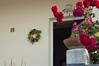 Ψίνθος (Psinthos.Net) Tags: ψίνθοσ psinthos mayday πρωτομαγιά μάιοσ μάησ άνοιξη may spring afternoon απόγευμα απόγευμαάνοιξησ ανοιξιάτικοαπόγευμα rosebush roses τριανταφυλλιά τριαντάφυλλα άνθη blossoms wreath στεφάνι μαγιάτικοστεφάνι redroses κόκκινατριαντάφυλλα γλάστρα pot flowers λουλούδια μώβλουλούδια purpleflowers pinkflowers pinkblossoms ρόζάνθη ρόζλουλούδια