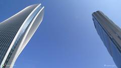 PUNTO DI VISTA ! (Salvatore Lo Faro) Tags: milano lombardia italia italy citylife tretorri grattacielo torre architettura cielo azzurro pov salvatore lofaro canon g16