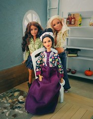Family portrait (ArtCat80) Tags: barbie mattel mtm made move petite doll dolls photo mbili lea skipper family fashionistas