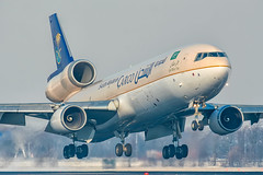 HZ-ANA // McDonnell Douglas MD-11F // cn 48773 (Thomas Vegter - VegterImages) Tags: schiphol md11 mcdonnell douglas mcdonnelldouglas amsterdam airport aviation aircraft polderbaan canon saudi arabian saudiarabian snow