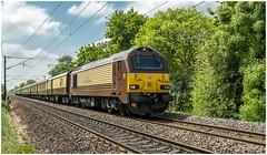 67024. Belmond British Pullman. (Alan Burkwood) Tags: ecml arksey dbcargo 67024 belmondbritishpullman londonvictoriayork diesel locomotive passenger train