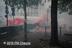 Manifestation à Paris du 1er mai 2018 - 01.05.2018 - Paris (FR) - IMG_3217 (PM Cheung) Tags: loitravail manifestationàparisdu1ermai paris 1mai frankreich proteste mobilisationénorme cgt sncf demonstration manifestationàparisdu1ermai2018 blockaden 2018 demo mengcheungpo gewerkschaftsprotest zad zonéadéfèndre nantes tränengas arbeitsmarktreform nuitdebout pmcheung polizei wasserwerfer crsfacebookcompmcheungphotography polizeipräfektur krawalle ausschreitungen auseinandersetzungen compagniesrépublicainesdesécurite police 1mai2018 01052018 manif manifestation démosphère solidaritéinternationalejusticesocialepaix labac emmanuelmacron larépubliqueenmarche manif1mai fo fsu solidaires unef république1ermai 1ermaiparis nonamarcron 1ermai2018