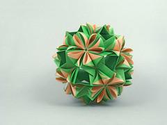 Centaurea (masha_losk) Tags: kusudama кусудама origamiwork origamiart foliage origami paper paperfolding modularorigami unitorigami модульноеоригами оригами бумага folded symmetry design handmade art