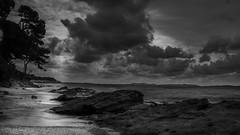 L'aube (joboss83) Tags: mer landscape bw monochrome nuage beach sea var cote dazur noire et blanc matin soleil sun plage hyères groupenuagesetciel