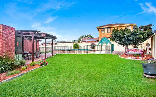 2 Ambon Cl, Bossley Park NSW 2176