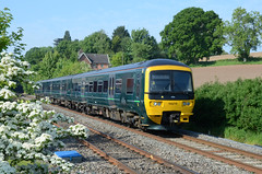 GWR Turbo 166219, Wickwar (sgp_rail) Tags: gwr fgw first great western class 166 turbo dmu diesel multiple unit wickwar station road glos gloucestershire nikon d7000 train trainspotting rail railway summer may 2018 cascade