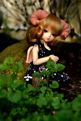Hi~ (MlleChantilly) Tags: bjd doll dolls dollphotography faune fauna satyr soom glot monthlydoll md yosd tiny blondhair nature green leaf