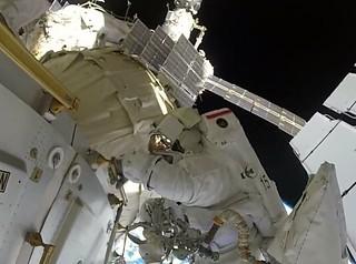 ISS_HD-20180517_Space walk Exp.55
