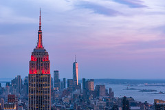 Manhattan Sunset (_gate_) Tags: top rock rockefeller center empire state building one world trade new york city nyc usa blue hour mai may 2018 stargardt patrick gate trip urlaub travel d750 nikon vc 1530mm tamron old ny dollar america states united train grand central terminal station architecture personen gebäude bogen decke architektur sunset sun set down skyline night urban stadt himmel