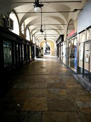 Portici (VauGio) Tags: torino turin piazzacastello italia italy lastricato portici huawei p10 leica