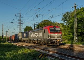 95_2018_05_08_03_Gelsenkirchen_Bismarck_5370_016_PKPC_mit_Containerzug_Bottrop_Süd