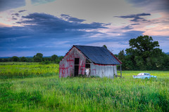 DMT_20180521182348 (Felicia Foto) Tags: allrightsreserved denisetschida field grass green antiqueautomobile junk car ruraldecay decay rust tinroof barn metalbarn hdr 3xp photomatix eagleville eaglevilletennessee middletennessee rural highway41a sky sunset clouds nikon nikond600 d600 storage purple yellow blue photoshopcc