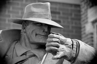 Dick Tracy. (EOS)