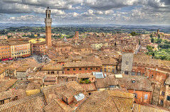 "Siena • <a style=""font-size:0.8em;"" href=""http://www.flickr.com/photos/45090765@N05/40148988380/"" target=""_blank"">View on Flickr</a>"