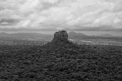 P2281471 (ernsttromp) Tags: srilanka olympus omd 918mmf456 mzuiko microfourthirds mirrorless mft m43 landscape monochrome blackandwhite bw clouds rock sigiriya 2018 3x2 em10 unesco