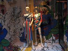 Primavera en el escaparate (kirru11) Tags: primavera escaparate maniquis ropa vestidos tudela navarra españa kirru11 anaechebarria canonpowershot