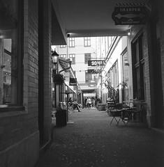 Victoriapassagen (rotabaga) Tags: sweden sverige svartvitt göteborg gothenburg lomo lomography lubitel166 mediumformat mellanformat fomapan r09 120 6x6 twinlens victoriapassagen