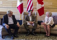 Alberta Premier/première ministre de l'Alberta Rachel Notley, COF Chair/présidente du CDF, with/avec Governor/gouverneur Arturo Núñez, CONAGO Chair/président de la CONAGO, and/et Governor/gouverneur Brian Sandoval, NGA Chair/président de la NGA