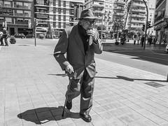 ... (J. Garcia2011) Tags: momocromo monochrome byn bn blancoynegro blackandwhite bw callejera urbano urbana calle streetphotography street g11 comunidadvalenciana