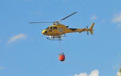 Firefighting (M McBey) Tags: fire helicopter aérospatiale ecureuil yellow firebrigade bombers spain