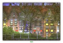 WULPENSTRAAT in BRUGGE (régisa) Tags: house colours coloré maison bruges brugge westvlaanderen canal arbre