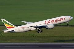 Ethiopian Airlines Boeing 777-260LR ET-ANO (c/n 40771) (Manfred Saitz) Tags: vienna airport schwechat vie loww flughafen wien ethiopian airlines boeing 777200 762 b762 etano etreg
