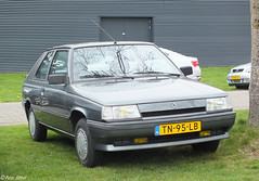1988 Renault 11 Automatic Cheverny (peterolthof) Tags: leek hofman peterolthof carscoffee tn95lb