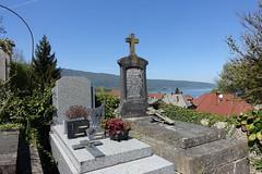 Cemetery @ Village @ Duingt (*_*) Tags: annecy hautesavoie france 74 europe savoie april 2018 spring printemps sunny lakeannecy lacdannecy lake lac duingt cemetery cimetiere tomb dead christian morning