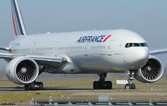 Air France Boeing 777-328(ER) F-GZNO / CDG (RuWe71) Tags: airfrance afafr airfranceklm airfranceklmgroup france frenchrepublic boeing boeing777 b777 b773 b777300 b777300er b777328 b777328er boeing777300 boeing777300er boeing777328 boeing777328er triple7 fgzno cn386651007 n5014k parisroissy parisairport parischarlesdegaulle parischarlesdegaulleairport roissycharlesdegaulle charlesdegaulleairport aéroportsdeparis cdg lfpg widebody twinjet runway